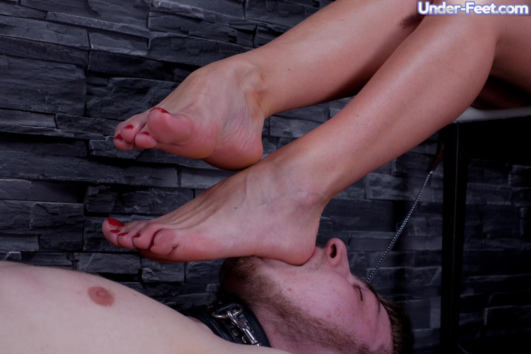 kinky massages stiletto brothel