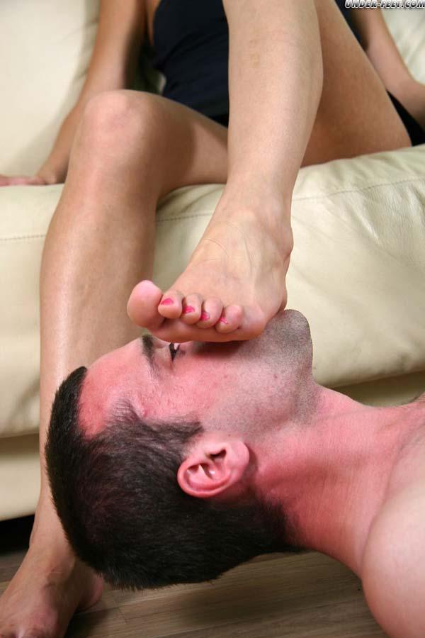Girls Feet Galleries - free girls feet,bare feet,beautiful ...